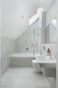 A bathroom at Destiny Scotland - Royal Mile Residence