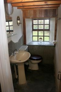 A bathroom at The Kilnmans' Cottage
