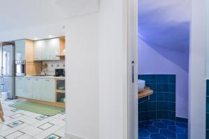 A bathroom at Sapore di Sale