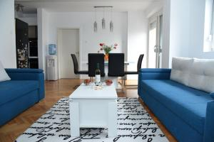 A seating area at Kiara Apartments Skopje
