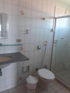 Um banheiro em Casa com piscina em Itamaracá
