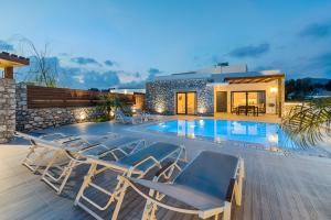The swimming pool at or near Prasonisi Villas