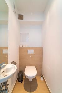 A bathroom at Margareten Apartments
