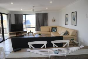 A seating area at Hi Surf Unit 3, 92 Head St, Forster