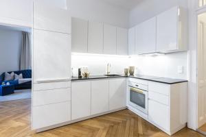 Küche/Küchenzeile in der Unterkunft Exclusive Apartment Le nozze di figaro