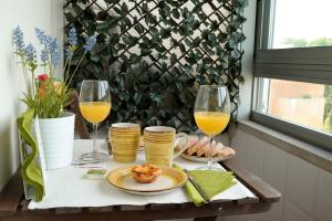Breakfast options available to guests at Resting Points - Laranjeiras