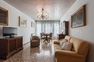 A seating area at La Casa Veneziana