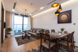 Homefromhome Metropolis Serviced Apartment