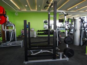 The fitness centre and/or fitness facilities at Nyali Golf View Residence