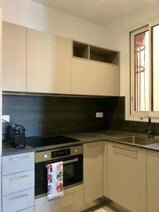 Ett kök eller pentry på villa juturne