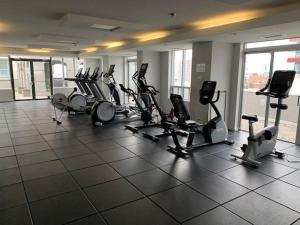 Fitnesscentret og/eller fitnessfaciliteterne på Toronto Luxury Accommodations - University Plaza