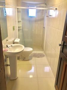 A bathroom at Ed fabio remodelado aconchegante