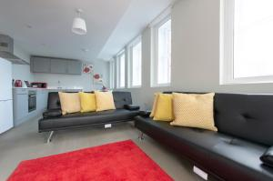 A seating area at Crystal apartment