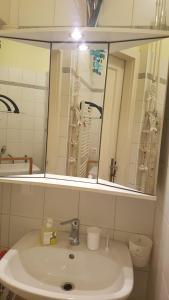 Een badkamer bij Operngasse-Karlsplatz