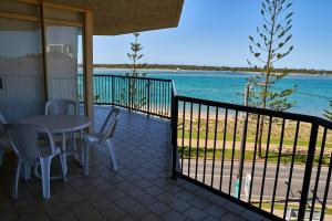 A balcony or terrace at Bayview Beach Holiday Apartments
