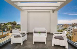 A balcony or terrace at Villa Manhattan