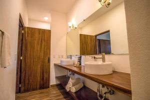 A bathroom at Refugio del Mar