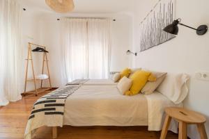 Cama o camas de una habitación en Piso centro Logroño. En calle Laurel