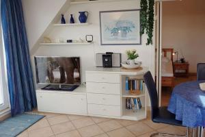 A kitchen or kitchenette at Residenz 23