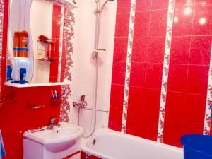 A bathroom at квартира в центре Сочи