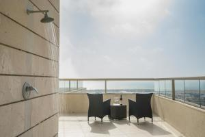 A balcony or terrace at Luxury Penthouse Marina