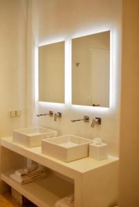 A bathroom at Villa Bellonia