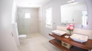 Een badkamer bij Villa Nautilus