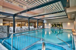 Het zwembad bij of vlak bij Luna Holiday Complex