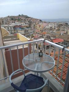 A balcony or terrace at Castle View Apartment
