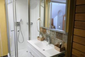 A bathroom at Anitas Ferienhaus