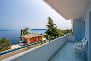 A balcony or terrace at Apartments Gea