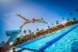 Het zwembad bij of vlak bij Oasis Papagayo Sport Resort
