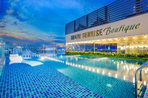 Grand Sunrise Boutique Hotel