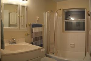 A bathroom at North Port 6320