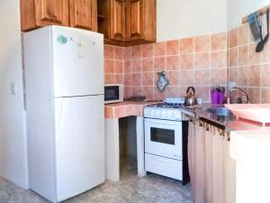 Una cocina o kitchenette en Alojamiento Las Retamas