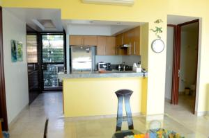 A kitchen or kitchenette at Minitas PP 2A 2 BR by Casago