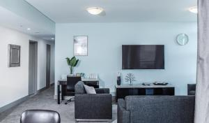 A seating area at DD Apartments on Sussex Street