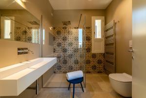 A bathroom at Lu Leccio