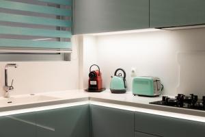 Küche/Küchenzeile in der Unterkunft Near Acropolis brand new 1 min from metro