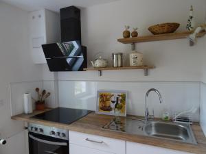 Kitchen o kitchenette sa Ferienwohnung Lotte