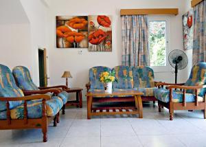 A seating area at Rododafni Villas