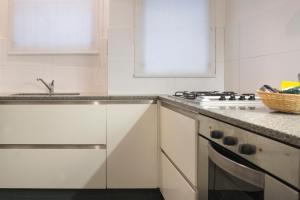 Una cocina o kitchenette en Amplio Depto con Diseño Chic en Recoleta