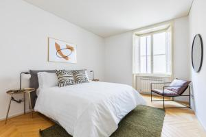 A bed or beds in a room at Sonder — Piazza Navona