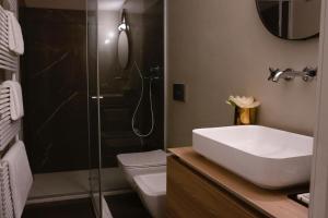 A bathroom at Palazzo Rougier Milano