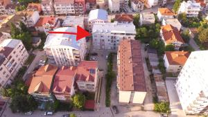 A bird's-eye view of Apartment INA