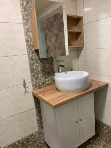 A bathroom at Toula's Apartments