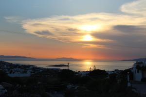 Alba o tramonto visti dall'interno dell'appartamento o dai dintorni