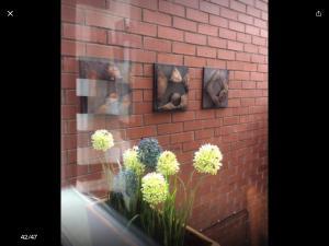 A bathroom at Terrific terraced house in Belfast