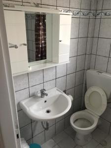 Ванная комната в Athens Smart Rooms 1