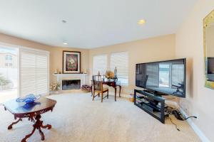 A television and/or entertainment center at Oxnard Ocean Dunes